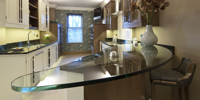 West Penthouse show apartment – bespoke hand crafted kitchen with integrated Miele appliances.